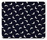 Alfombrilla para ratón con forma de pez, siluetas de delfines saltadores, tema costero, acuario, mamíferos, fauna atlántica, alfombrilla rectangular de goma antideslizante, estándar, azul oscuro, blan