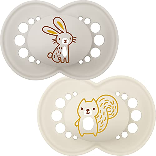 MAM Original Colours of Nature Schnuller 6+ (Häschen und Eichhörnchen), mattes Baby Schnullerset ab 6 Monaten, MAM Schnullerpaket mit Woodland Designs, Schnullerpaket mit MAM Saugern