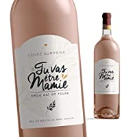 """Pour ce moment unique, l'étiquette """"Tu va être mamie"""" est une idée d'annonce naissance vraiment originale et ludique que la future grand mère va adorer. Etiquette à coller sur une bouteille de vin ou une bouteille de bière. Très jolie, cette étiquett..."""