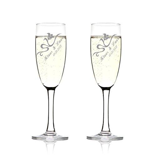 polar-effekt 2er Set Sektgläser Personalisiert mit Gravur - Hochzeitsgeschenk für Brautpaare - Namen und Datum - Geschenkidee zur Hochzeit - Hochzeitsgläser für Paare - geschwungenen Blumenranke