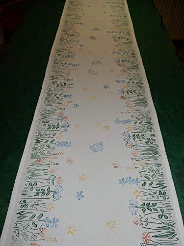 Tischläufer Blumenwiese Ostern handbedruckt mit blauen Schmetterlingen