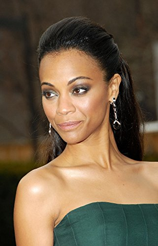 Zoe saldana AT Arrivals for the Metropolitan Opera 125th Anniversary Gala Photo Print (40,64 x 50,80 cm)
