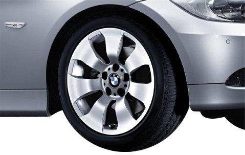Original BMW Alufelge 3er E90 E91 E92 E93 Sternspeiche 158 in 17 Zoll