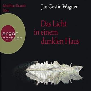 Das Licht in einem dunklen Haus                   Autor:                                                                                                                                 Jan Costin Wagner                               Sprecher:                                                                                                                                 Matthias Brandt                      Spieldauer: 5 Std. und 58 Min.     51 Bewertungen     Gesamt 4,1