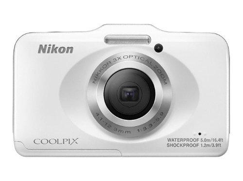 Nikon Coolpix S31 Digitalkamera (10 Megapixel, 3-fach opt. Zoom, 6,9 cm (2,7 Zoll) LCD-Display, bis 5m wasserdicht) arktik weiß