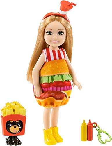 Barbie GRP69 Club Chelsea - Mueca con disfraz de hamburguesa, 15 cm, rubio, con animal y colgante