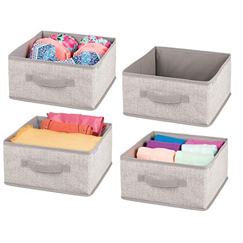 mDesign 4er-Set Aufbewahrungsbox aus Kunstfaser – für Ordnung im Kleiderschrank – Stoffkiste mit Griff und offener Oberseite für Kleidung, Decken, Accessoires und mehr – beige und hellbraun