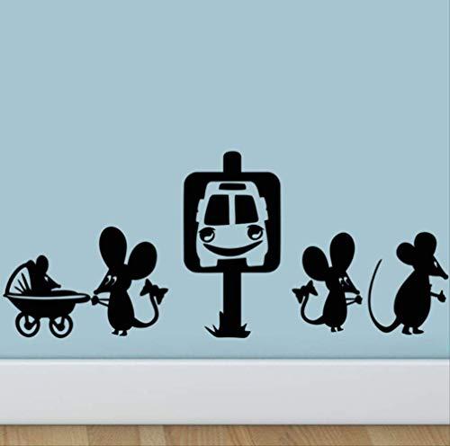Muurstickers grappige muis nemen de taxi decoratieve cartoon gat muur sticker rat voor slaapkamer wonen
