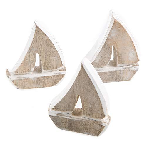 Logbuch-Verlag 3 kleine Segelboote aus Holz 10 cm - Maritime Deko Segelschiffe Holzschiffe Natur braun weiß Mini Schiff Figur zum Hinstellen