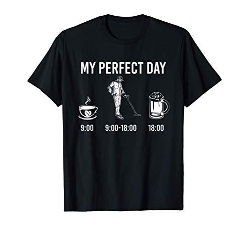 My Perfect Day Coffee Metal Detector Beer Camiseta