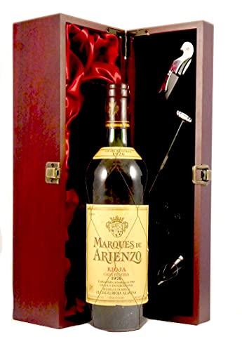 Rioja Gran Reserva 1976 Marques de Arienzo en una caja de regalo forrada de seda con cuatro accesorios de vino, 1 x 750ml