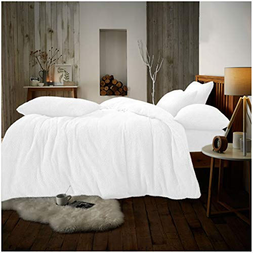 Gaveno Cavailia Premium Quality Soft & Cosy Teddy Quilt Cover and Matching Pillow Case, Easy Care Fluffy Bed Linen, Luxury Fleece Duvet Set, White, Kingsize Bedding