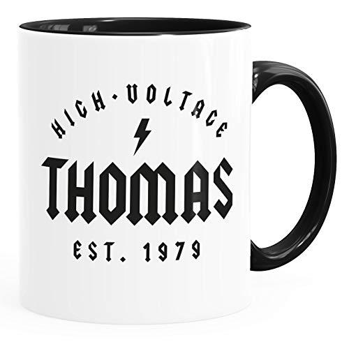 Moonworks® Tasse Geschenk Geburtstag personalisierbar Schriftzug High Voltage anpassbarer Name und Geburtsjahr Kaffeetasse schwarz Keramik-Tasse