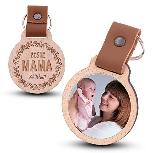Wogenfels - Schlüsselanhänger aus Holz mit kratzfestem Foto und Gravur Beste Mama der Welt (braunes Lederband)