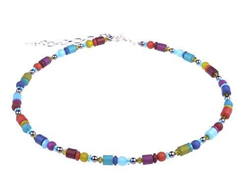 """Adi Moderschmuck zarte Halskette """"Finja"""". Farbenfrohe Mischung aus Polaris- und Glasperlen, handgefertigt in Berlin."""