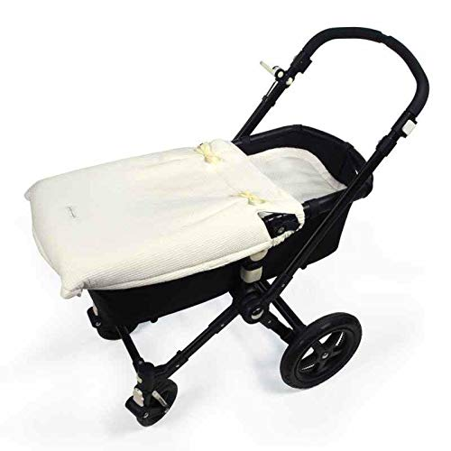 Pasito a Pasito. Colcha Cuco Nido Universal. Pieza cubre capazo para Bebé. Tamaño adaptable a todos los modelos de carrito. Color Beige.