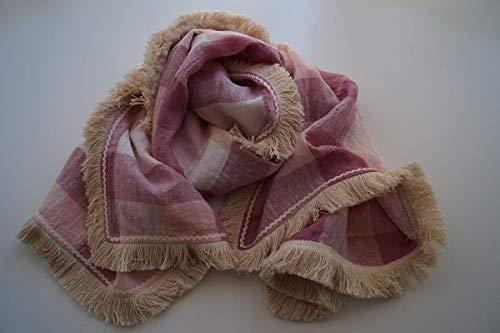 Pañuelo elaborado a mano a doble cara con fleco y ondulina. Diseño único y exclusivo.