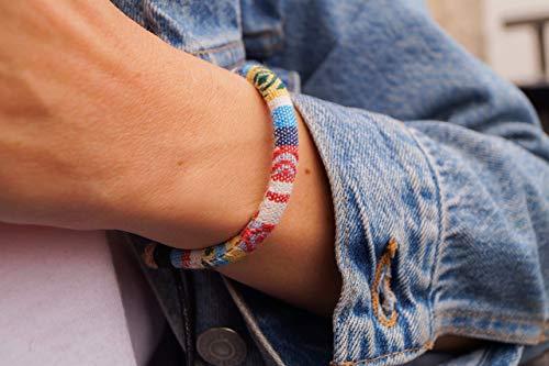 Boho Surfer-Armband Damen & Herren - Made by Nami Handmade Festival Schmuck - Ethno Surfer Strand Style - Wasserfest & 100% ökologische Baumwolle - Freundschaftsarmbänder Mädchen - Rund Gelb