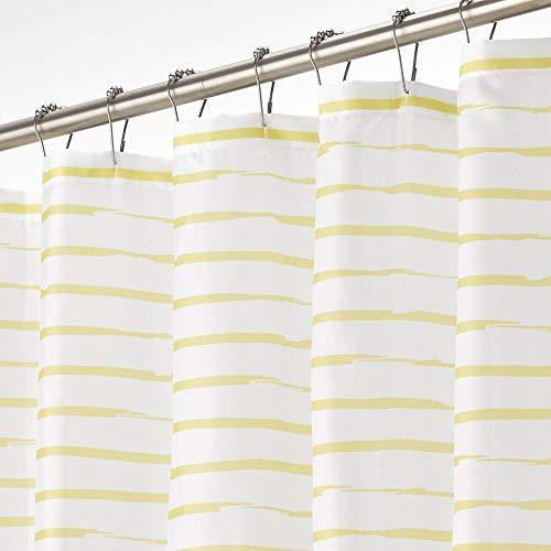 mDesign Duschvorhang – wasserabweisender Badewannenvorhang mit modernem Streifenmuster – leicht zu pflegener Duschvorhang – weiß & gelb