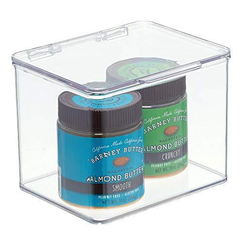 mDesign Organizador de cocina – Cajas apilables de almacenamiento para despensa y estantes de cocina – Organizador de nevera de plástico sin BPA y con tapa abatible – transparente