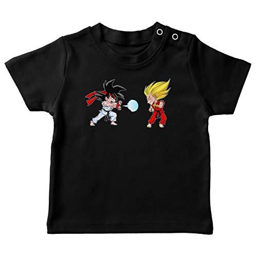 Okiwoki T-Shirt bébé Noir Parodie Dragon Ball Z - Street Fighter - Sangoku, Végéta X RYU et Ken - Super Kamehadoken !! (T-Shirt de qualité Premium de Taille 18 Mois - imprimé en France)