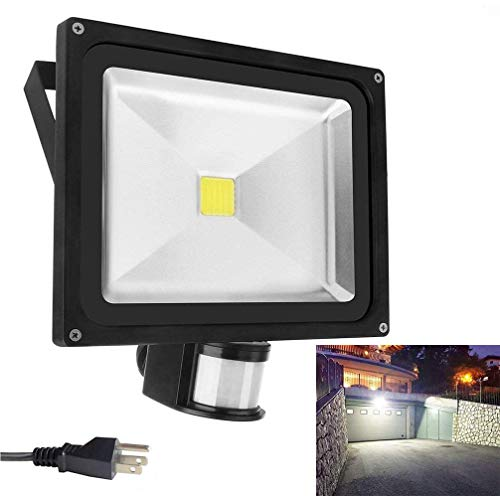 Motion Sensor Led Flood Lights 50w 4000LM Outdoor Security Floodlights IP66 Waterproof Auto ON/Off Lamp for Garage Billboard Warehouse Stairs with a US 3-Plug 6500K AC86-265V