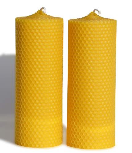 2 große Wabenkerzen. BIENENWACHSKERZEN aus reinem Imkerwachs - aus der Schwarzwälder Kerzenmanufaktur. Höhe 18 cm Durchmesser 6,5 cm