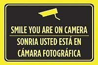 ユニークな壁の装飾金属ポスター壁プラーク、あなたはカメラの看板に笑顔、レトロな鉄の絵画金属ポスター警告プラークアートガレージホームガーデンストアバーインチ