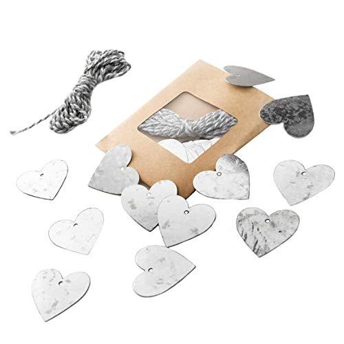 24 Stück silber-farbene Herz-Anhänger Geschenkanhänger Metall Blech 3,5 cm mit Loch ÖSE zum Aufhängen + grau weiß Baumwollband Dekoration Hochzeit Muttertag Valentinstag