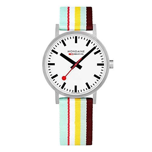 Mondaine Classic - Beiläufige Uhr für Herren und Damen, A660.30360.16SBK, 40MM