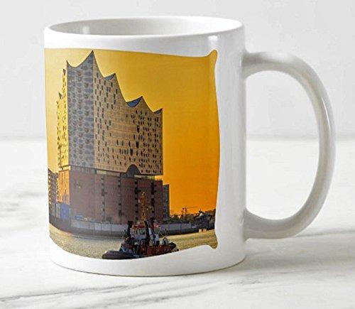 Exklusiver Hamburger Kaffee Becher - Motiv: Die Elbphilharmonie im Hafen Hamburg beim Sonnenaufgang - Foto-Tassen/Fotos/Bilder/Souvenirs