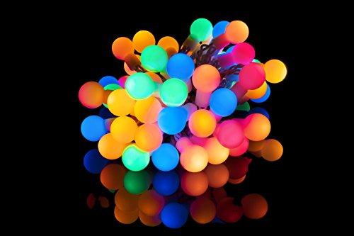 Plaights 50-er LED Lichterkette in bunt | Partylichterkette als Dekoration für den Sommer mit Timer Funktion | geeignet für außen, innen, Outdoor und Garten | Beleuchtung in Kugelform sorgt für die perfekte Partystimmung