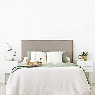 Diseño con Encanto: cabecero tapizado con un diseño sencillo de líneas rectas con tachuelas, detalle que lo hace único Gran Calidad: cabezal cama 150 tapizado nido de alta calidad. *Producto fabricado en España. Uso/ Tamaño: para cama de 150: 160x120...