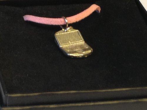 Giftsforall TG321 Laptop-Halskette, 1,4 cm x 1,9 cm, aus englischem Zinn, an einer 45,7 cm langen rosa Kordelkette