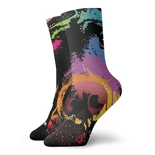 Kevin-Shop hond ligt op de tafel en doet denken aan de persoonlijkheid van mannen en vrouwen grappige korte sokken Casual Socks Crew Socks