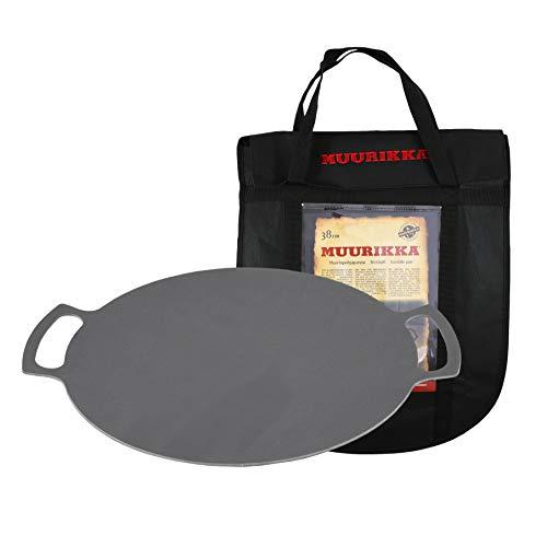 MUURIKKA Grillpfanne 38cm inkl. Schutztasche, Outdoor-Pfanne aus Stahl für Lagerfeuer & Grill