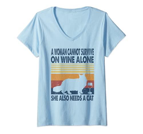 Mujer Una mujer en vino y ella necesita un gato Maine Coon gatito amante Camiseta Cuello V