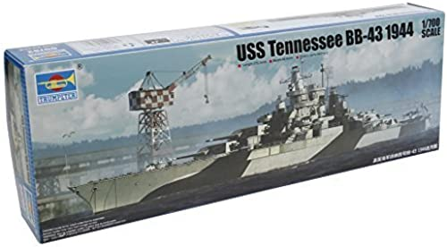 Trumpeter USS Tennessee Bb-43 1944 Building t by Trumpeter