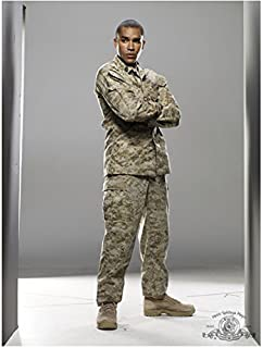 SGU Stargate Universe 8 Inch x10 Inch Photo Jamil Walker Smith in Desert Camo Light Grey Backkground Arms Crossed kn