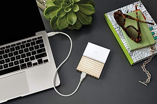 WD My Passport Ultra 4TB - Disco duro portátil y software de copia de seguridad automática para PC, Xbox One y PlayStation 4 - blanco / oro miniatura