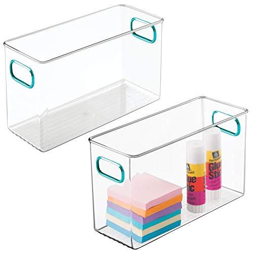 mDesign Organizador de escritorio – Gavetas de plástico para bolígrafos, gomas, celo, reglas y material de arte – Manejables cajas organizadoras de oficina con asas – Juego de 2 – transparente y azul