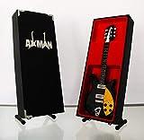 Miniature Guitare Réplique: Mike Campbell sur mesure–Rickenbacker 350–Modèle Mini Rock souvenirs Réplique Guitare Miniature en bois et gratuit support de présentation (vendeur britannique)