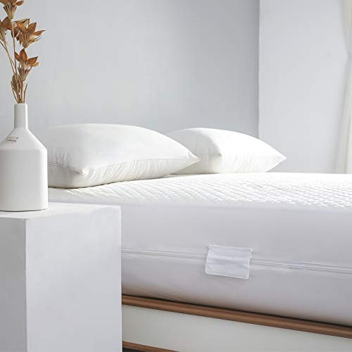 Full Waterproof Bamboo Mattress Protector Zippered-360 Top...