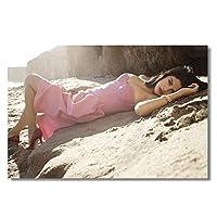 セクシーな歌手セレナゴメスビーチで絵画キャンバス壁アートポスター絵の装飾リビングルームの装飾のための絵画キャンバスに印刷50x70cmフレームなし