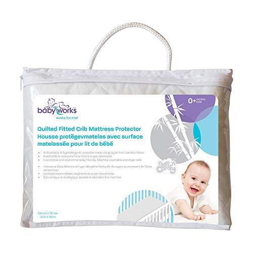Baby funciona acolchada y ajustable bambú Protector de colchón para cuna (Blanco)