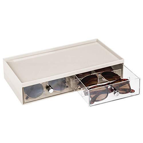mDesign Cajas para gafas de sol – Cajoneras de plástico con 2 cajones y 3 compartimentos en cada cajón – Organizador de armarios para guardar todo tipo de gafas – crema/transparente