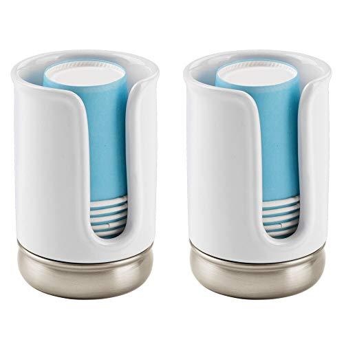 mDesign Juego de 2 dispensadores de vasos desechables – Práctico soporte para vasos de papel – Portavasos de baño para una óptima higiene bucal – Incluye 8 vasos – blanco/plateado mate
