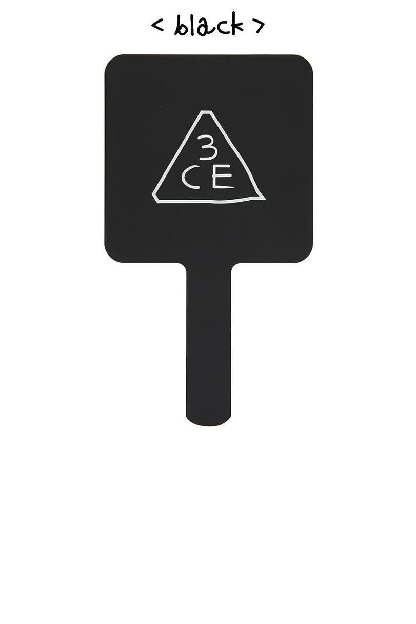 かける居眠りする市民[3CE/3CONCEPT EYES] 3CE SQUARE HAND MIRROR 手鏡 ハンドミラー #BLACK