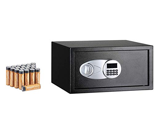 Amazon Basics - Caja fuerte (28 l), color negro + Amazon Basics - Pilas alcalinas AA 'Performance' (Paquete de 20)