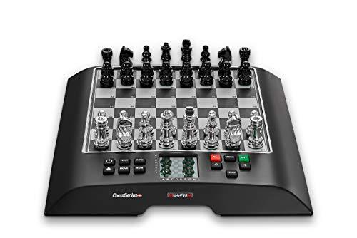 Millennium M812 ChessGenius PRO - Schachcomputer für ambitionierte Spieler. Mit der weltberühmten Software von Richard Lang. Einer der spielstärksten Schachcomputer mit > 2200 ELO